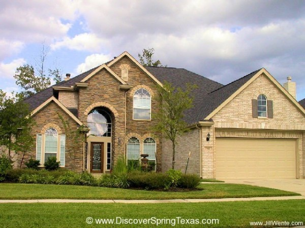 homes for sale Country Lake Estates