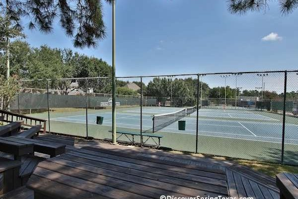 Spring Creek Oaks tennis courts