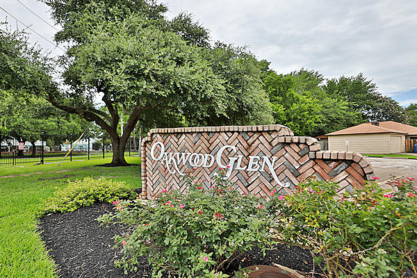 Oakwood Glen homes for sale