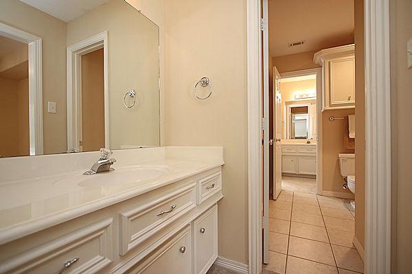 5807 Desert Oak Way Spring TX 77379 hollywood bath