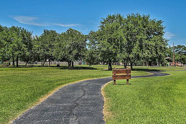 Spring Creek Oaks walking trails