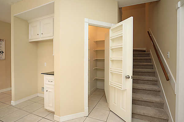 5807 Desert Oak Way walk in pantry