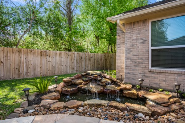 2407 Woodsboro Spring TX homes 77388